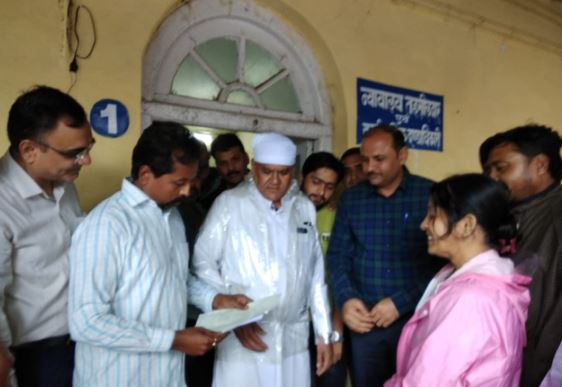bjp-leader-submit-gyapan-to-sdm