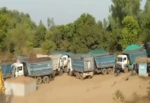 illigal-sand-mining-in-hosangabaad-50-dumpers