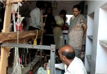governor-paid-visit-to-chanderi-