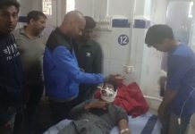 attack-on-police-team-in-guna-constable-injured