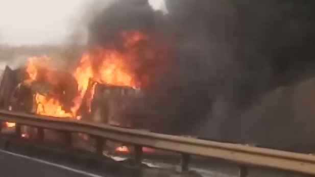 truck-and-container-collide-two-dead-in-seoni
