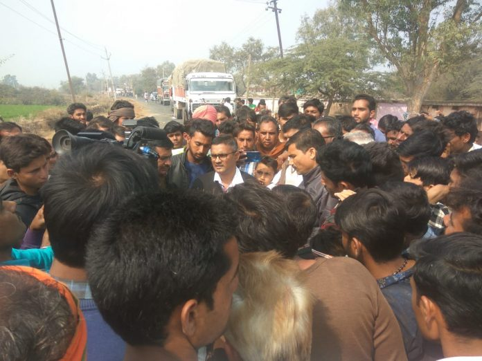 -District-administration-did-not-solve-the-problem-of-farmers-will-meet-to-cm