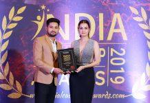 zeeshan-khan-awarded-by-diya-mirza-in-Bengaluru
