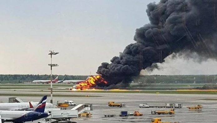 fire-in-russian-plane-during-landing-on-masko-airport-
