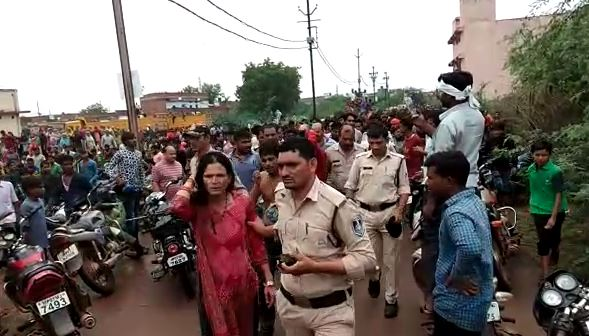 child-lifter-mob-tried-to-lynch-in-Gwalior-