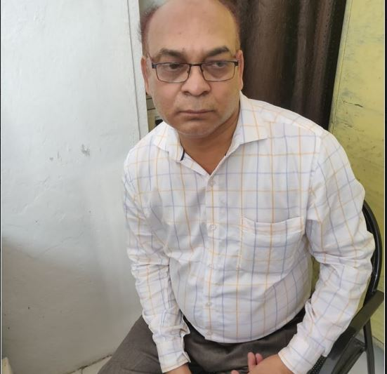 bis-officer-come-indore-from-bhopal-to-take-bribe-lokayukta-caught-red-handed