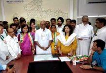 Obeadullahganj-Municipality-President-Harpreet-Kaur-join-congress-in-madhy-pradesh