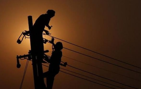 electricity-department-employees-upset-against-government-attitude-