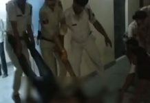 police-dragged-dead-body-of-dalit-youth-in-morena