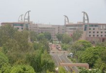 -One-gate-of-CM-Secretariat-closed-People-wandering-in-annexe