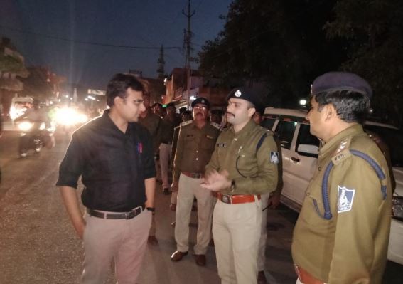 -The-code-of-conduct-was-followed-by-the-administration-tikamgarh-collector-and-SP-flag-march