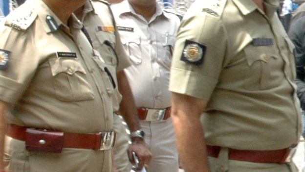 SI-arrested-fake-ti-reached-police-station-indore-in-madhypradesh