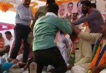 clash-between-two-groups-of-bjp-leaders-at-jalgaon-maharashtra-