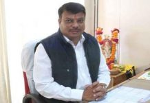 SDO-gaharwar-met-with-recommendation-of-former-mp--minister-umang-singar-suspended-