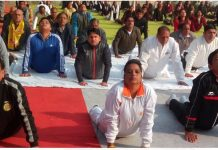 Kids-look-at-Surya-Namaskar-Expert-The-officer-is-upset-in-gwalior