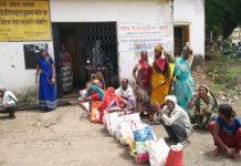 people-not-getting-ration-from-shop