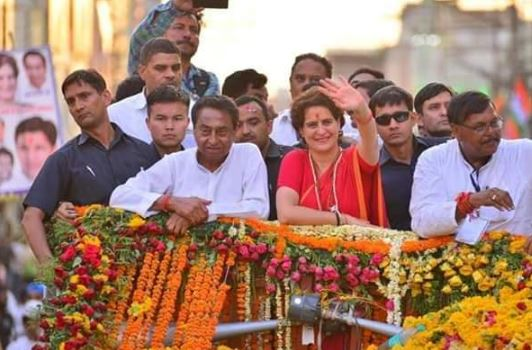 priyanka-gandhi-in-indore