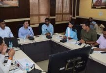 collector-and-officer-will-give-one-day-salary-for-ac-in-school-and-anganwadi-in-gwalior-