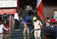 mock-drill-NDRF-team-did-such-a-rescue-after-alarm-of-earthquake-