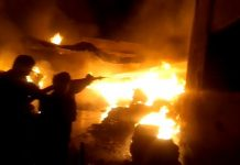 Foil-fire-in-warehouse--One-and-a-half-dozen-fire-brigade-brooks-fire