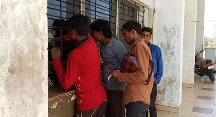 illegal-recovery-from-truck-driver-in-kharai-check-post