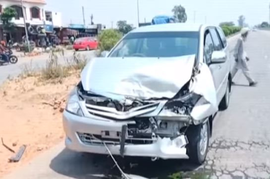 BJP--candidate--car-accident-during-loksabha--election-campaign