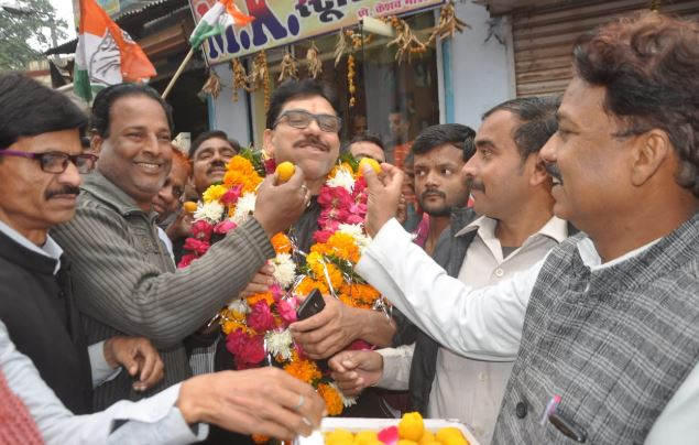 not-showing-in-election-now-giving-congratulations-to-mla