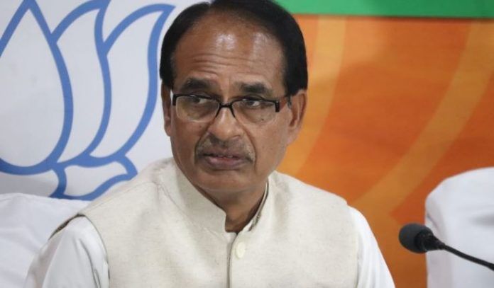 shivraj-singh-chauhan-attack-on-congress-for-Rafale-deal-says-Rahul-Gandhi-apologizes-to-country