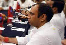 power-minister-priyavrat-singh-scolds-officers-for-power-cut-bhopal