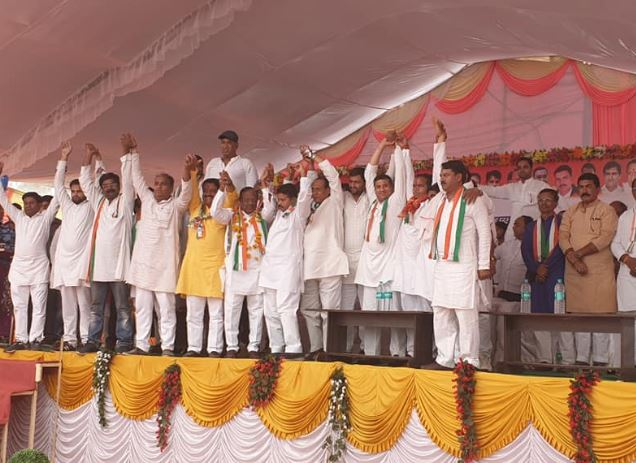 big-setback-to-BJP-before-election-amla-former-MLA-joined-congress-in-betul-