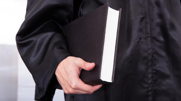 -Black-court-now-will-not-have-to-wear-lawyers