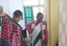 Nursery-buying-sarees-in-hospital