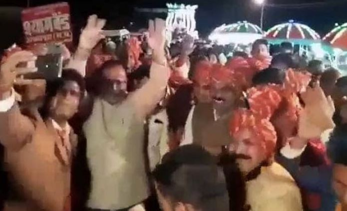 jabalpur-sp-amit-singh-transfer-after-dance-with-lakhan-ghanghoria-video-viral