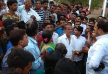 gwalior-news-now-shops-shift-in-school-campus