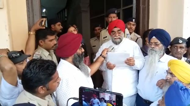 protest-in-Indore-against-Delhi-police-brutality-by-sikh-people