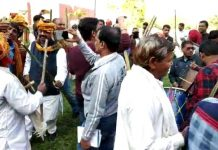 VIDEO--A-wave-of-happiness-in-farmers-after-'debt-waiver'-in-mp