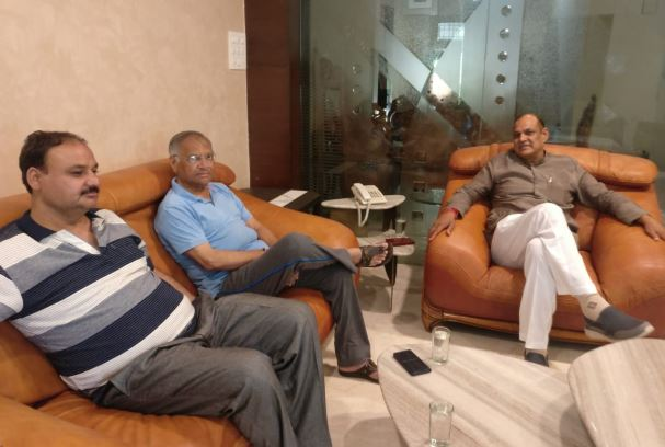 after-election-met-two-rival-candidates-in-gwalior