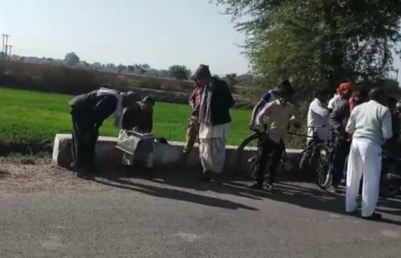 after-the-accident-truck-driver-through-dead-body-in-the-Drains