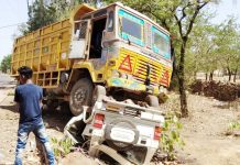 a-road-accident-in-shivpuri-madhya-pradesh-