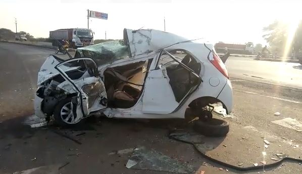 car-and-truck-collision-on-indore-neemuch-highway-husband-wife-deat