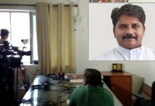 power-cut-during-press-conference-of-home-minister-bala-bacchan