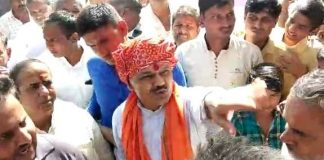 villagers-angry-against-bjp-mla-and-susner-candidate-