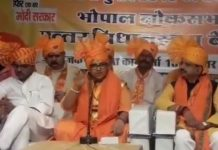 Sadhvi-Pragya-has-given-controversial-statement-on-Hemant-karkare