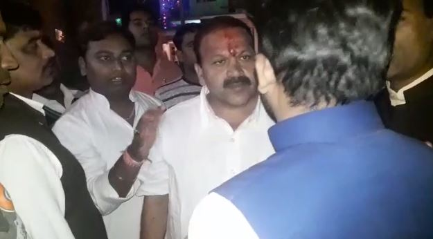 people-angry-on-bjp-candidate-in-gwalior-