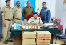 Police-arrested-illicit-liquor-with-vicious-criminals