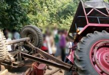 mandla-five-people-died-and-23-injured-in-tractor-trolley-accident