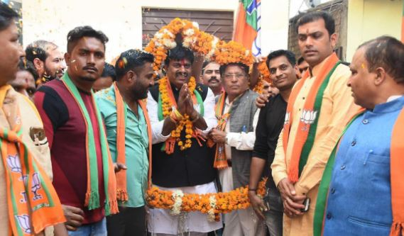 -Congress-is-raising-poison-of-casteism