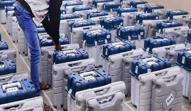hacker-claims-bjp-even-try-to-hack-evm-in-assembly-election-congress-attack-shivraj-reply