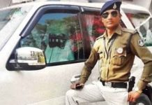 chatarpur-collector's-gunman-girl's-private-photo-viral-on-social-