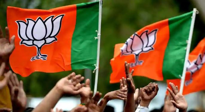 mp-bjp-suspended-ex-mla-prajapati-from-party